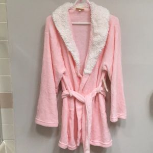 NWT!* Soft Plush Robe w/ Faux Fur Collar & Belt
